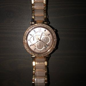 Michaels Kors Woman's rose gold watch